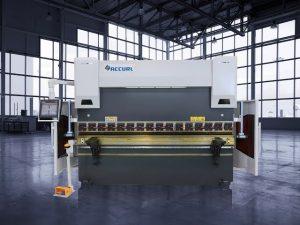 Freno de la prensa hidráulica del CNC de 135 toneladas