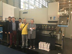 Freno hidráulico de la prensa del cnc de 600 toneladas WC67K para la venta