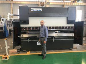 Máquina de prueba cliente de Irán en nuestra fábrica 1