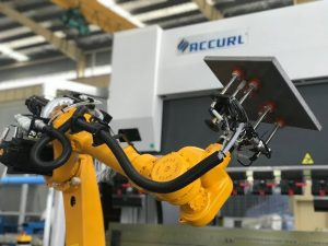 Sistema de células de flexión robotizadas para robot automático plegado de chapa