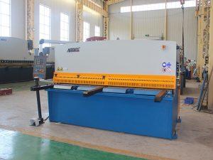 cizalla hidráulica de la marca famosa QC12y / K 12X3200 con buena calidad